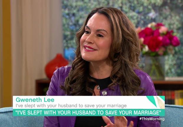 Cô bồ tự hào khoe chiến tích lên giường với 100 đàn ông có vợ