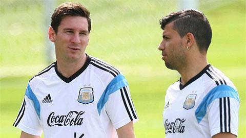 Aguero khẳng định không thể chơi chung CLB với Messi