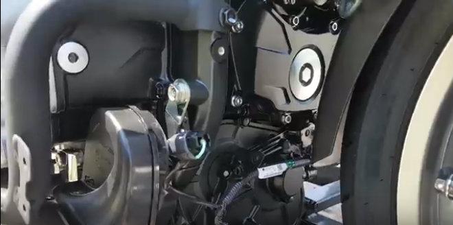 Đập hộp chuyên cơ mặt đất 2018 Honda Goldwing đầu tiên về Việt Nam
