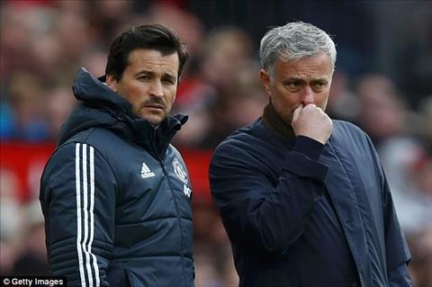 Mourinho đăng tin tuyển dụng trợ lý mới