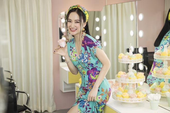 Đâu chỉ biết khoe vòng 3, Angela Phương Trinh cũng có những điều đáng yêu riêng