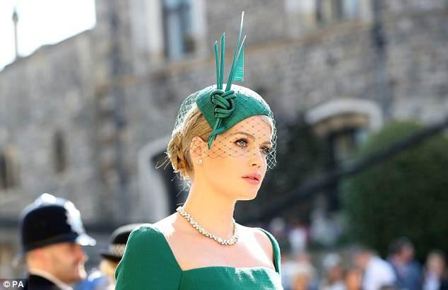Cháu gái cố Công nương Diana thu hút toàn bộ sự chú ý vì quá xinh đẹp tại đám cưới Hoàng gia