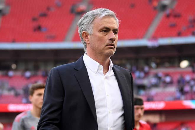 MU cả mùa tay trắng, Mourinho giận cá chém thớt lên bệnh binh