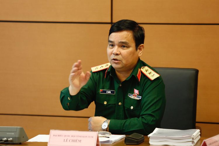 Tướng Lê Chiêm: Nhiều tàu ngư dân Trung Quốc vào sâu biển Việt Nam