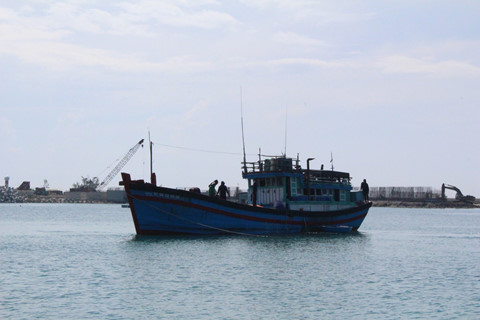 Vật thể lạ bất ngờ phát nổ, 3 ngư dân tử vong