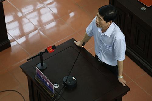 Toà ngăn luật sư hỏi đại diện Bộ Y tế tại vụ án 9 bệnh nhân tử vong - 2