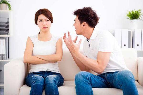 Nằng nặc lấy chồng Tây cho bằng được, giờ khổ sở cũng không dám kêu ai