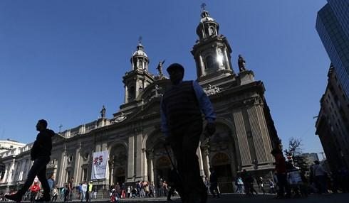 Chile rúng động vì 14 linh mục bị cáo buộc lạm dụng tình dục trẻ em