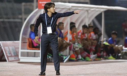 Phi Sơn nhận thẻ đỏ, TP HCM thua trận thứ tư liên tiếp tại V-League
