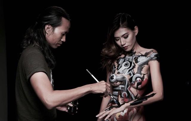 Vụ mẫu nude tố họa sĩ hiếp dâm: Người mẫu Kim Phượng có nguy cơ bị kiện!