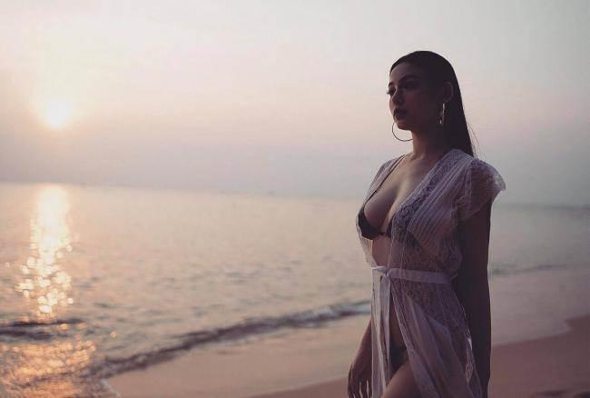 Cuộc sống xa hoa của những hot girl bỏ showbiz lấy chồng đại gia