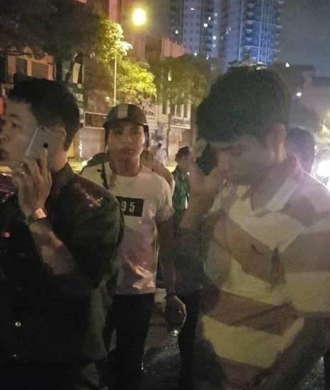 Hà Nội: Say xỉn rồi phóng xe tốc độ cao lao vào dải phân cách, người đàn ông bất động ngay trên vô lăng
