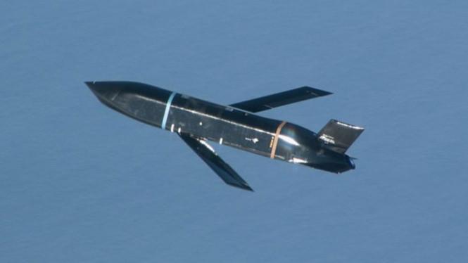 Mỹ thử thành công tên lửa diệt hạm từ oanh tạc cơ B-1B