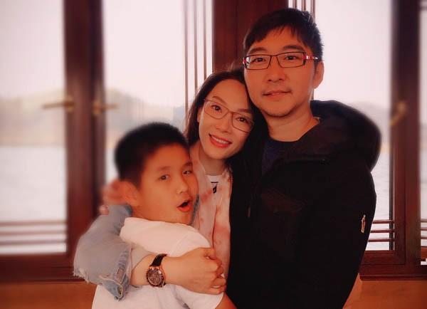 Mẹ đơn thân kể chuyện sống cảnh 1 ông 2 bà ròng rã 6 năm vì chồng hờ dỗ vợ anh bệnh nặng, chỉ 2 năm là chết thôi