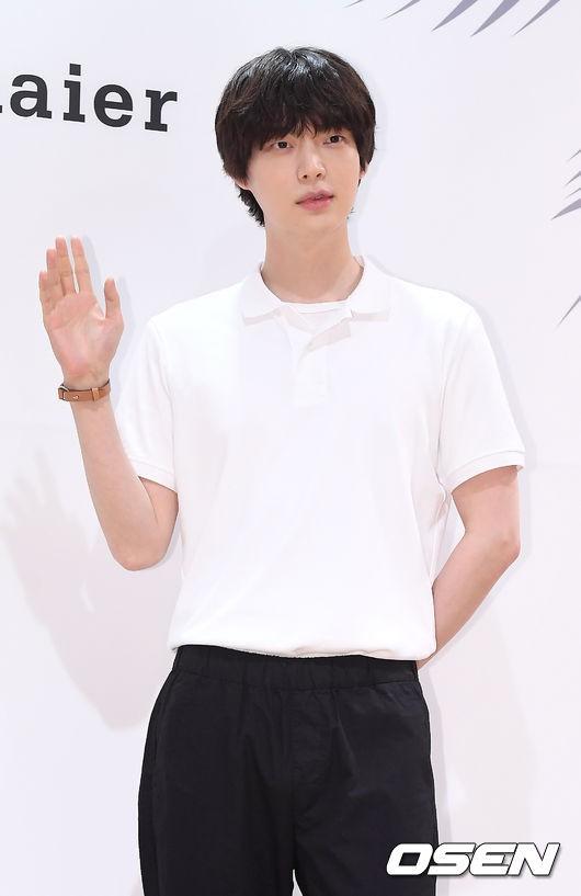 Vợ chồng Goo Hye Sun và Ahn Jae Hyun lần đầu cùng dự sự kiện: Gây sốt vì quá tình, không thể rời mắt khỏi nhau