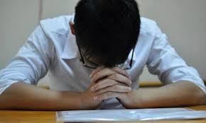 Mệt mỏi vẫn phải học thêm dịp hè vì sợ bị giáo viên ghét