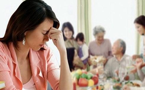 Ở nhà chồng quá nhiều gánh nặng khiến tôi thấy rất mệt mỏi