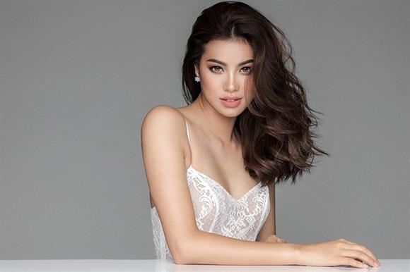 Sau tuyên bố tôi chọn là người tử tế, facebook của Hoa hậu Phạm Hương bất ngờ biến mất