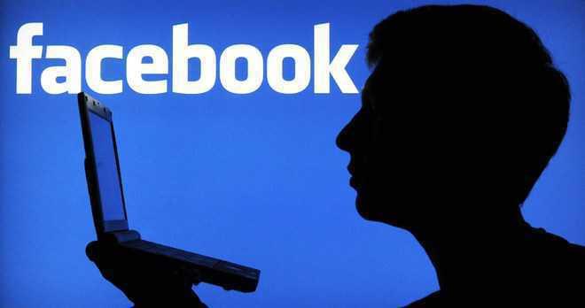 Hãng di động lấy dữ liệu người dùng, Facebook nói hợp tiêu chuẩn