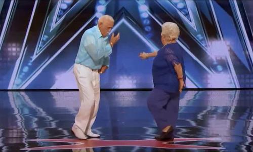 Khán giả Americas Got Talent 2018 phát điên vì màn nhảy gợi tình của hai cụ già 70 tuổi