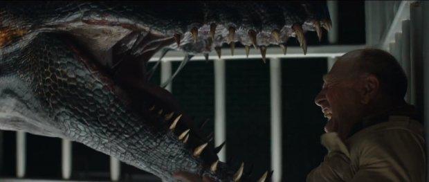 Các nhà phê bình phim thi nhau mổ xẻ Jurassic World: Fallen Kingdom