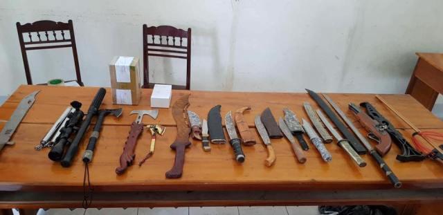 Bắt đối tượng tàng trữ ma túy, lòi ra hàng loạt vũ khí nóng