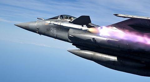 Rafale của Pháp có thể đối đầu sòng phẳng với Su-35 Nga? - 5