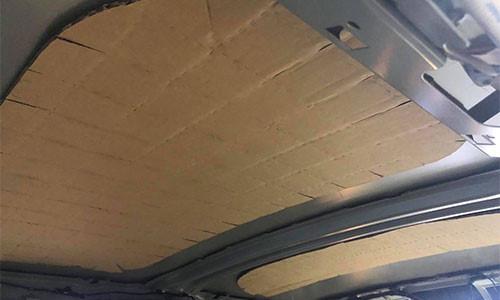 Trần xe sang MINI Cooper S tại Việt Nam bằng giấy các tông