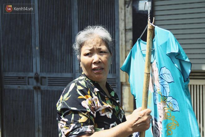 Cụ bà xa quê 11 năm, ở trọ Hà Nội để chạy thận và sống nhờ những vần thơ của chồng: Lấy người xấu trai, sau này người ta chiều mình