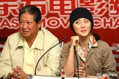 SỐC: Phạm Băng Băng lộ ảnh cho con bú, blogger bị yêu cầu bồi thường 1,8 tỷ đồng?