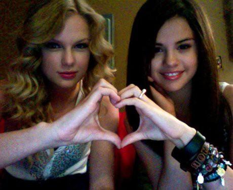 Taylor Swift và Selena Gomez: Tình bạn chân thành suốt 13 năm của hai ngôi sao quyền lực nhất showbiz