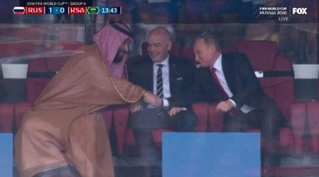 Tổng thống Putin biểu cảm hài hước trong trận thắng 5 sao của Nga