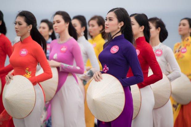 Top 30 phía Nam Hoa hậu Việt Nam 2018 mặc áo dài khoe dáng thướt tha