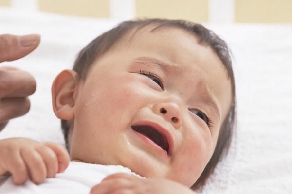 Sau đám cưới một tuần, chồng dẫn về đứa bé và nói một câu khiến tôi đau lặng người