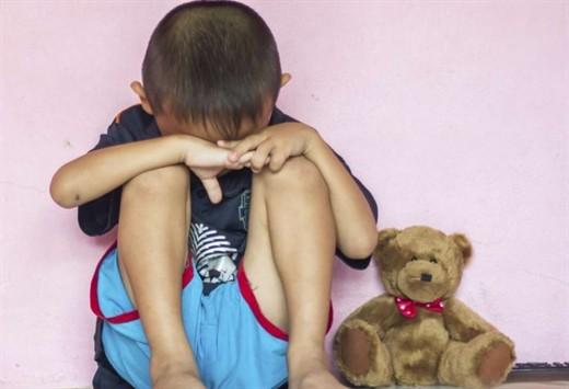 Nhật Bản: Bé trai 4 tuổi chết ngạt, cảnh sát nghi ngờ người cha đã nhốt con qua đêm trong tủ kệ TV