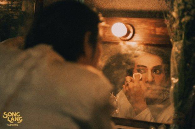 Xuất hiện trong poster điện ảnh mới của Ngô Thanh Vân, Isaac chuyển nghề sang hát tuồng Song Lang ?