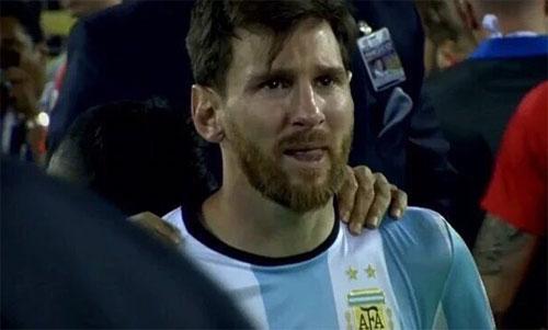 Mẹ Messi: Con trai tôi khóc nhiều lần sau khi chơi cho Argentina