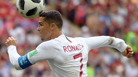 Ronaldo tiết lộ bùa may giúp ghi bàn không ngừng nghỉ