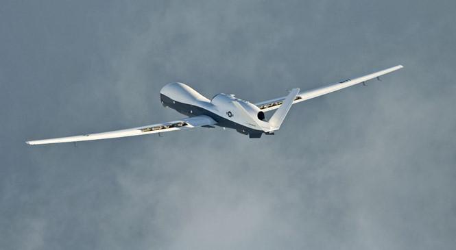 Úc chi tiền tỉ mua phi đội Triton hướng đến tuần tra Biển Đông