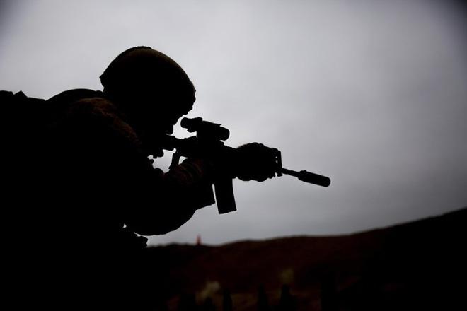Kỹ năng ẩn nấp và tác xạ của sát thủ vô hình lính bắn tỉa Mỹ