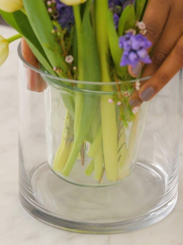 5 bước đơn giản giúp hoa được tươi lâu hơn và đẹp hơn sau khi cắm