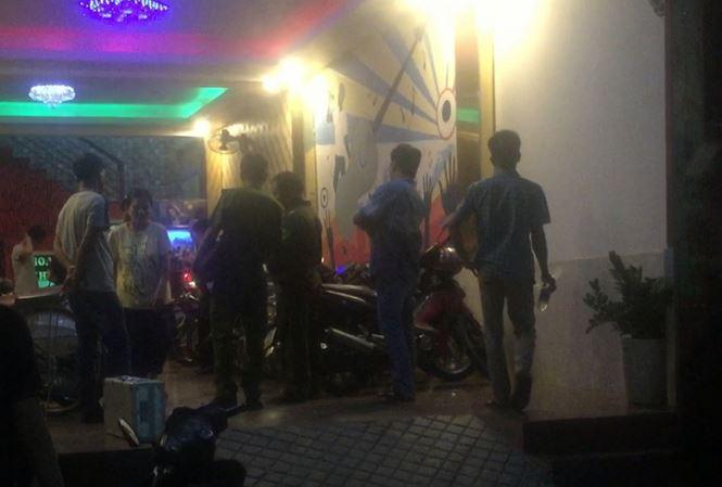 Mâu thuẫn với khách, nhân viên bảo vệ quán karaoke bị đánh nứt sọ ở Sài Gòn