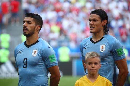 Suarez - Cavani là bộ đôi ăn ý thứ ba ở World Cup trong nửa thế kỷ