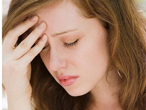 Khi tôi lao vào nhà cô hàng xóm kéo chồng từ trên giường xuống, anh còn ngơ ngác hỏi sao tôi tức giận như thế?