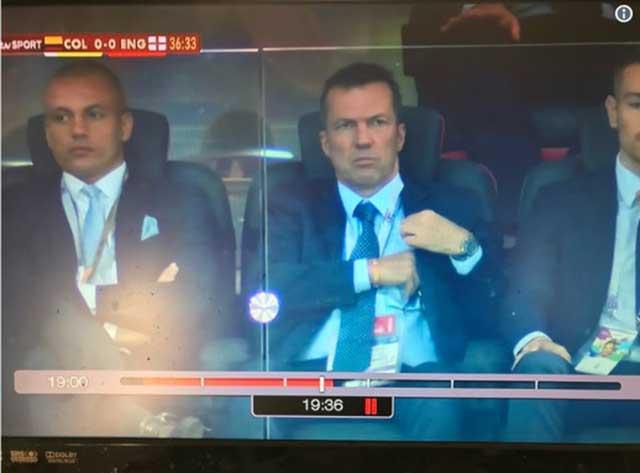 NHM ngán ngẩm khi Wes Brown được giới thiệu là huyền thoại FIFA