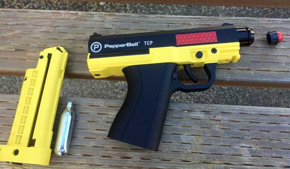 Súng ngắn bắn đạn hạt tiêu PepperBall TCP của cảnh sát Mỹ có gì đặc biệt?