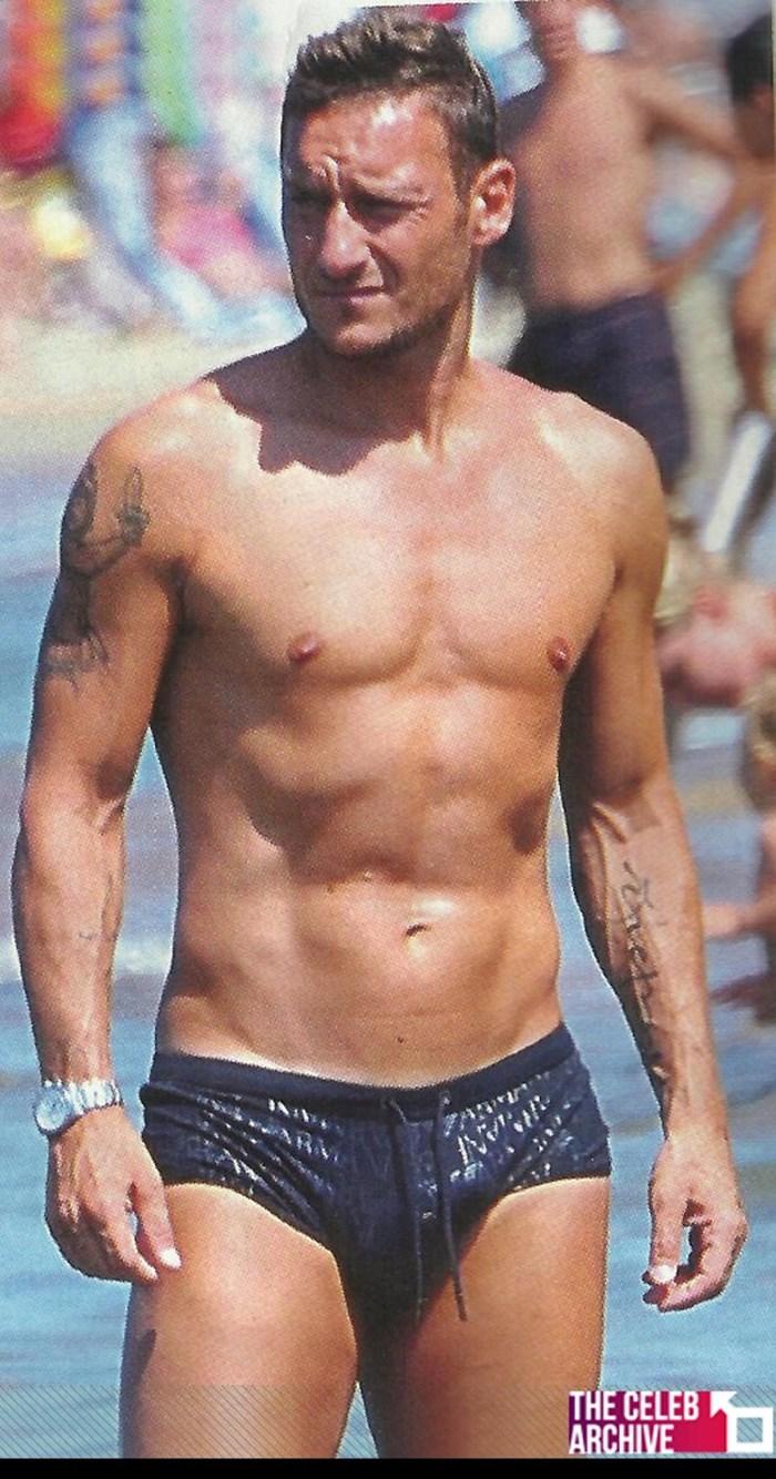 Beckham, CR7 lọt top cầu thủ có hình thể sexy nhất mọi thời đại