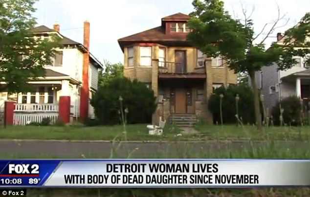 Mẹ sống cùng xác chết của con gái suốt 8 tháng