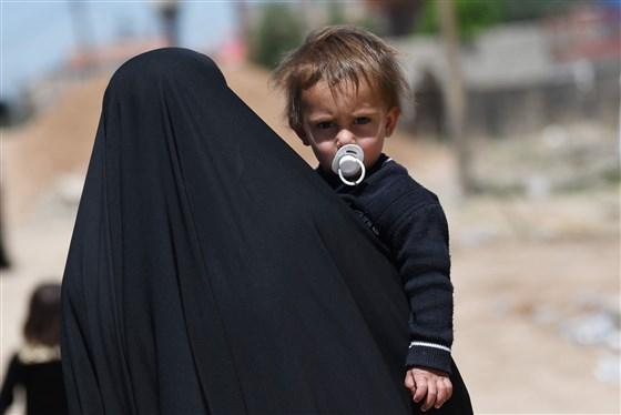 Vợ chiến binh khủng bố IS ồ ạt ly hôn để thoát tai tiếng