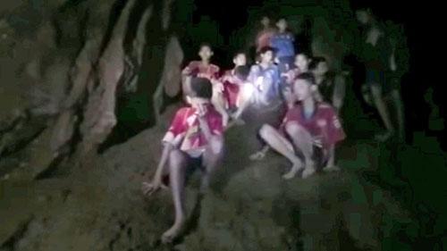 Hải quân Thái tiết lộ hành trình dò hang tối giải cứu đội bóng nhí
